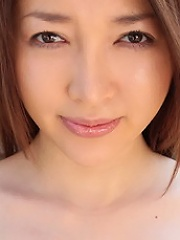 Mai Uzuki Shows Her Killer Tits